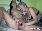 Cutie lets old lezzer eat her out