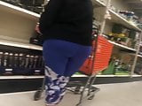 Pawg Granny in leggings.