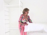 Unfaithful british mature lady sonia pops out her eno46EZj