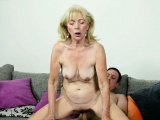 Saggy granny dicksucking and gets pounded