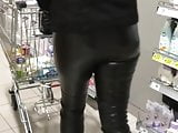 Some hot milf in the supermarket w tight leather leggings!