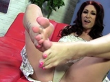 Hot milfs toes spermed