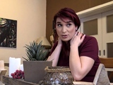 DEBT4k. Pregnant Jessica Red needs money for