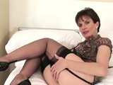 Cheating uk mature lady sonia shows off her big boobs22KZy